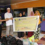 Berkah Ramadhan, Salah Satu MIB Auto Trade Gold di Siak, Berbagi Sembako Kepada Warga.